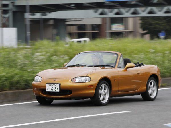 ราคาของ Mazda Roadster (รุ่นที่ 2, ประเภท NB) ซึ่งเป็นรถ FR น้ำหนักเบาราคาไม่แพงก็เพิ่มขึ้นเช่นกัน ตอนนี้เป็นเวลาเดียวที่จะตั้งเป้า!