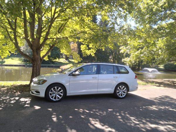 ที่ที่ผู้เขียนของคุณเรียนรู้เพิ่มเติมเกี่ยวกับการรั่วไหลของน้ำของ Volkswagen Golf