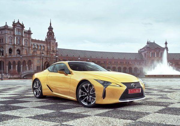 รถ Lexus มือสองที่ดีที่สุด 16 รุ่นในปี 2021