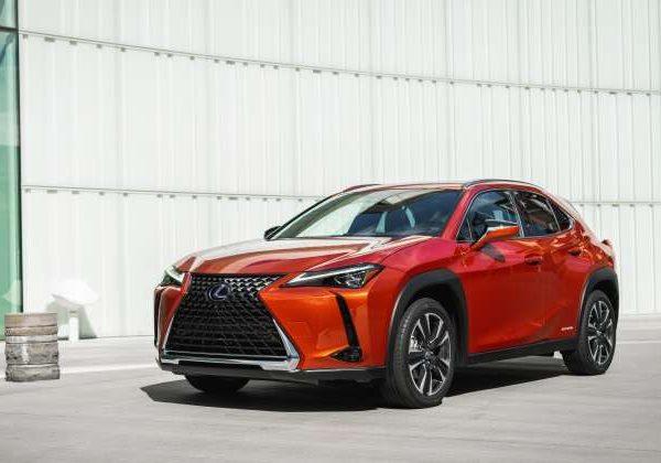 2019 Lexus UX Hybrid : รถ Lexus มือสองที่ดีที่สุดในปี 2021
