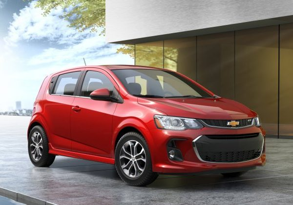 2020 Chevrolet Sonic : รถแฮทช์แบคที่ดีที่สุดสำหรับปี 2021