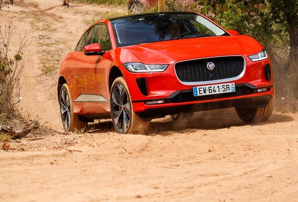 Jaguar จะใช้ไฟฟ้าทั้งหมดภายในปี 2025 ยกเลิก Electric XJ Sedan