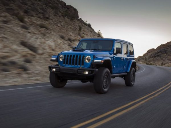 Jeep สามารถต่อสู้กับ Ford Bronco ได้อย่างไร