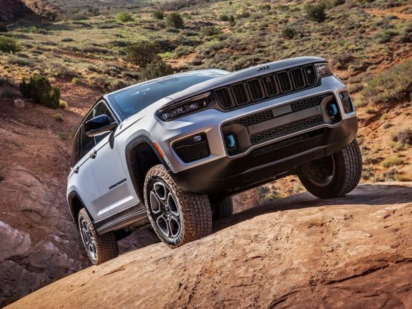2022 Jeep Grand Cherokee โฉมแรก: SUV กลับมาในรูปแบบดั้งเดิม