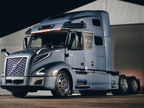 Volvo เปิดตัวต้นแบบรถบรรทุกกึ่งอัตโนมัติสำหรับอเมริกา