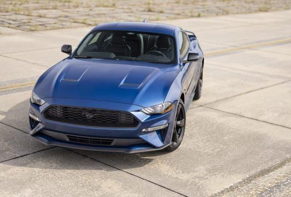 2022 Ford Mustang สปอร์ตแฟชั่นใหม่สำหรับ EcoBoost และ GT